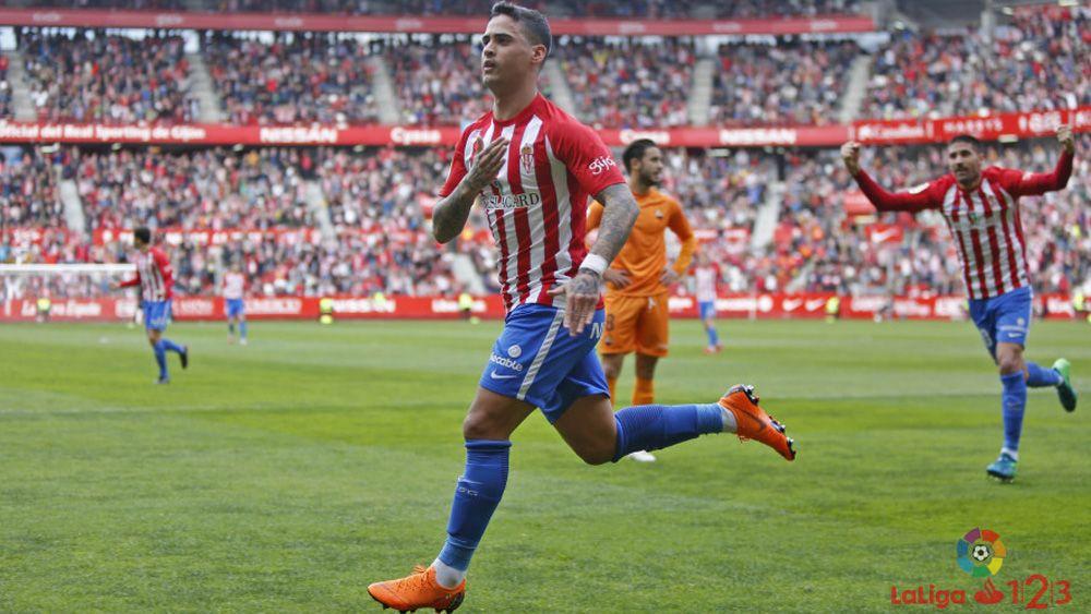 El ex del CD Tenerife Nano Mesa colabora en el triunfo del líder de Segunda División