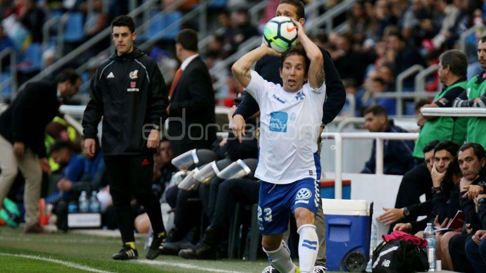 Raúl Cámara renueva por una temporada con el CD Tenerife