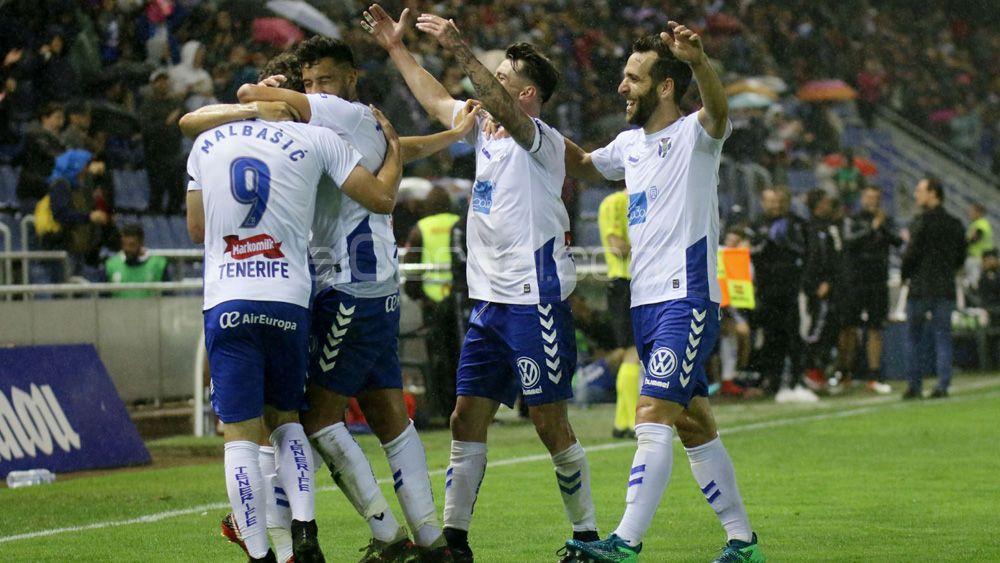 El CD Tenerife, cuarto máximo goleador de la Liga 1|2|3