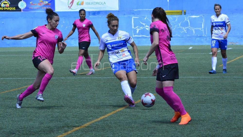 La centrocampista gallega Sara Tui renueva con la UDG Tenerife