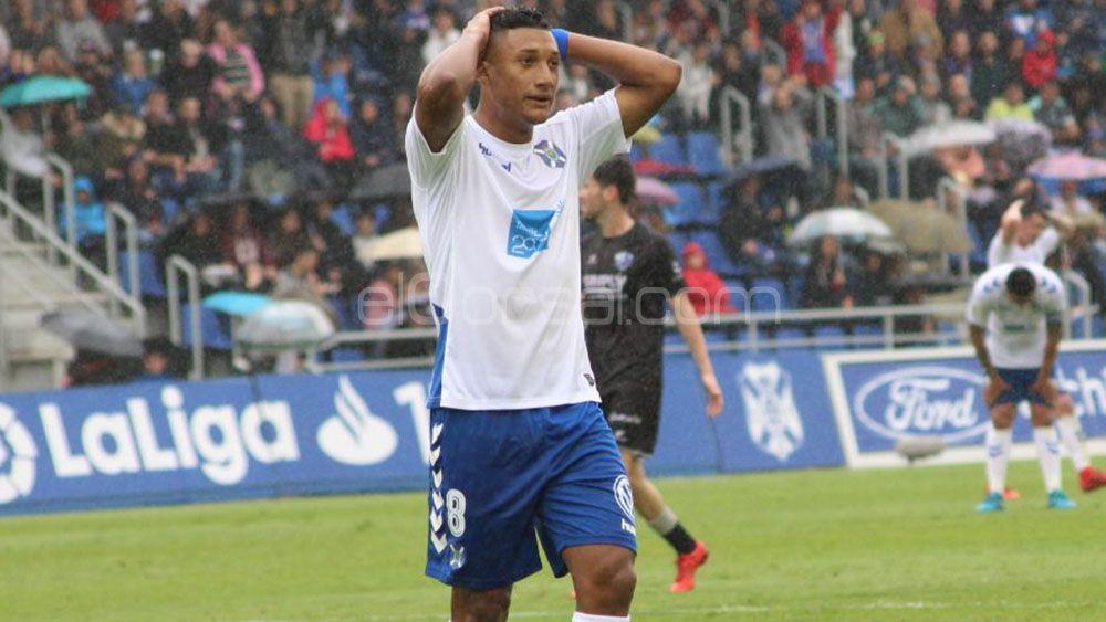 La SD Huesca y el árbitro rompen las ilusiones del CD Tenerife