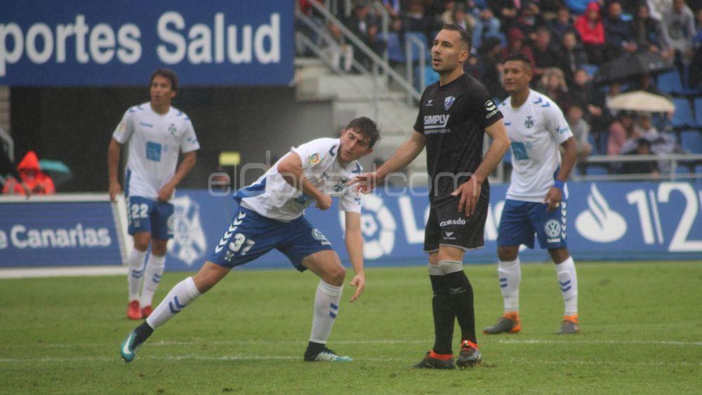 El CD Tenerife acaba la jornada a seis puntos del playoff