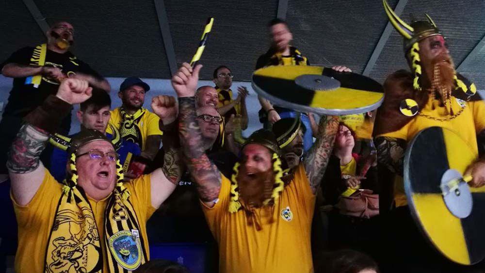 Euforia en el Iberostar Tenerife tras silenciar el Gran Canaria Arena