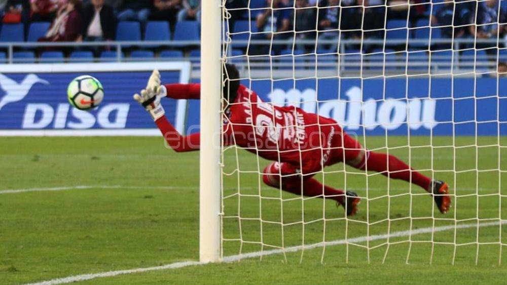 Dani Hernández y Malbasic devuelven al CD Tenerife al camino de la victoria