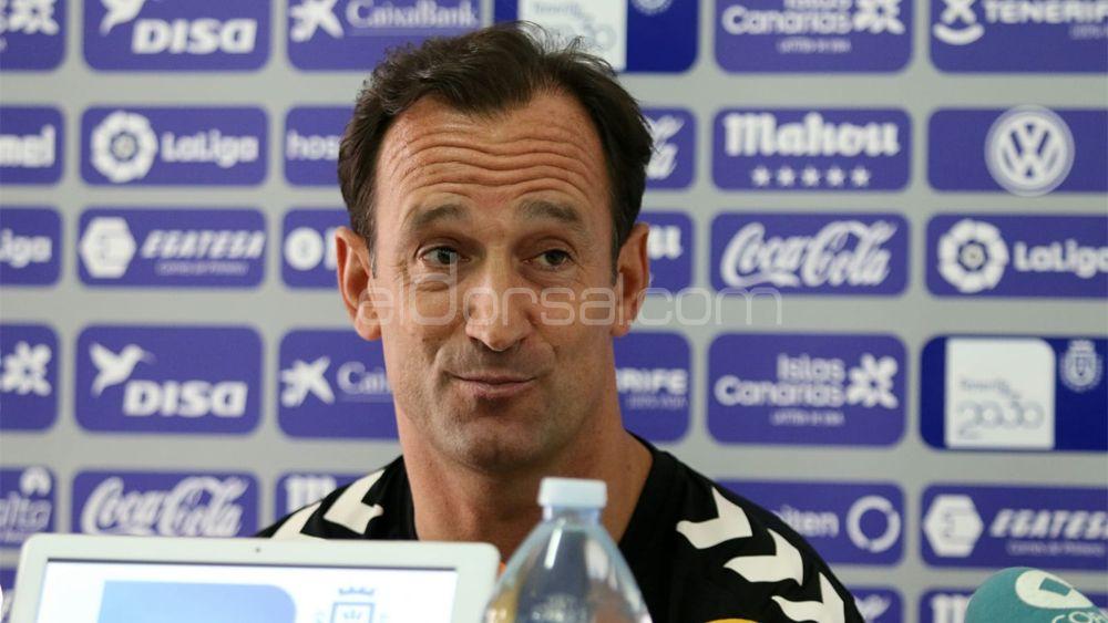 Etxeberria confirma cuatro bajas para el estreno liguero del CD Tenerife