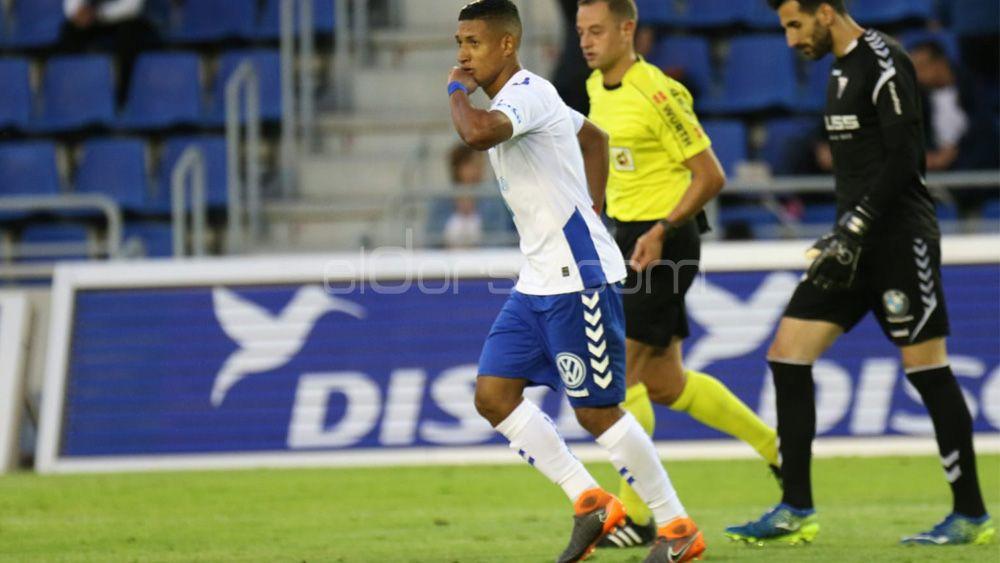 El golazo de Bryan Acosta para despedir la temporada del CD Tenerife