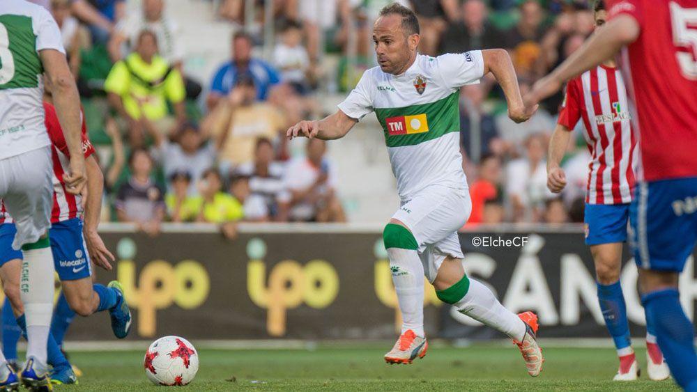 El exblanquiazul Nino acerca al Elche a Segunda División