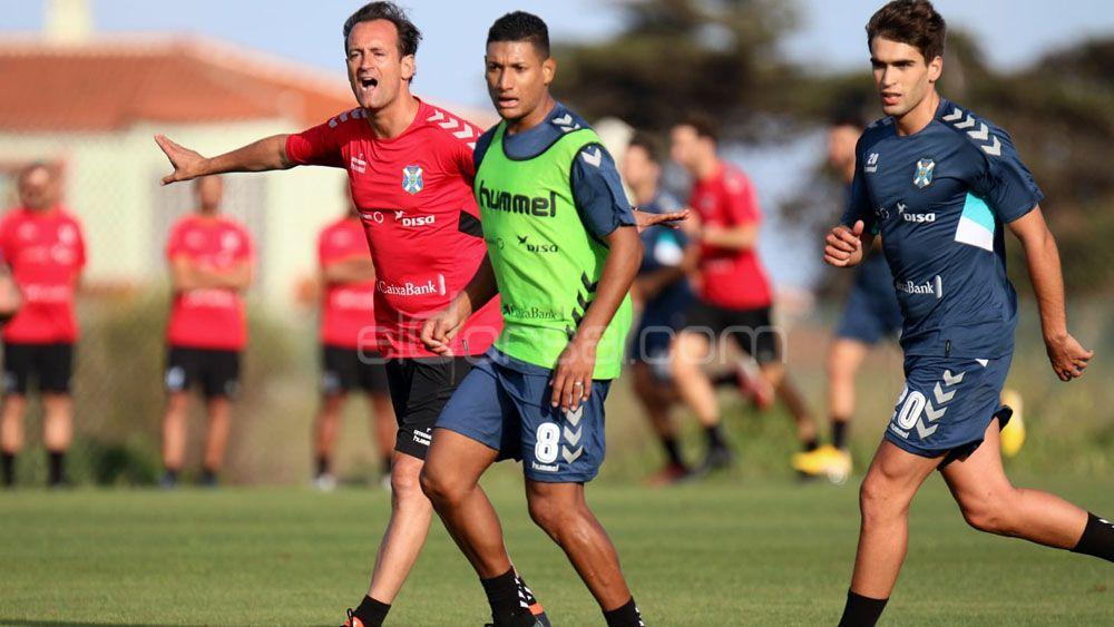 Seis entrenamientos para el CD Tenerife antes de su penúltimo amistoso de pretemporada