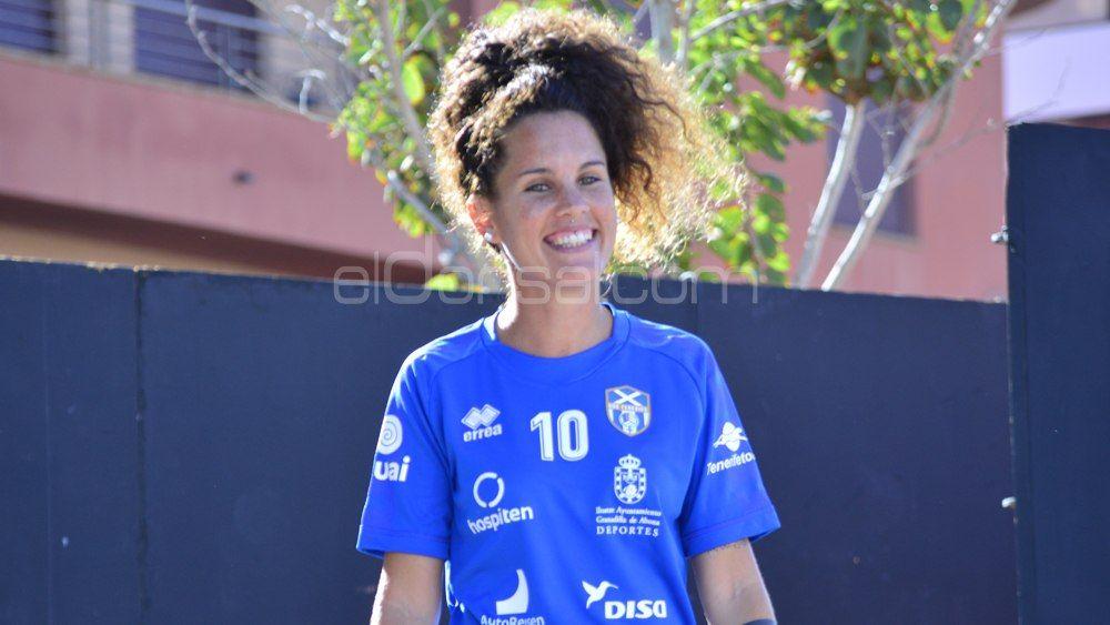 """Cindy García: """"La UDG Tenerife solo lleva tres temporadas en Primera División, aún no somos un grande"""""""