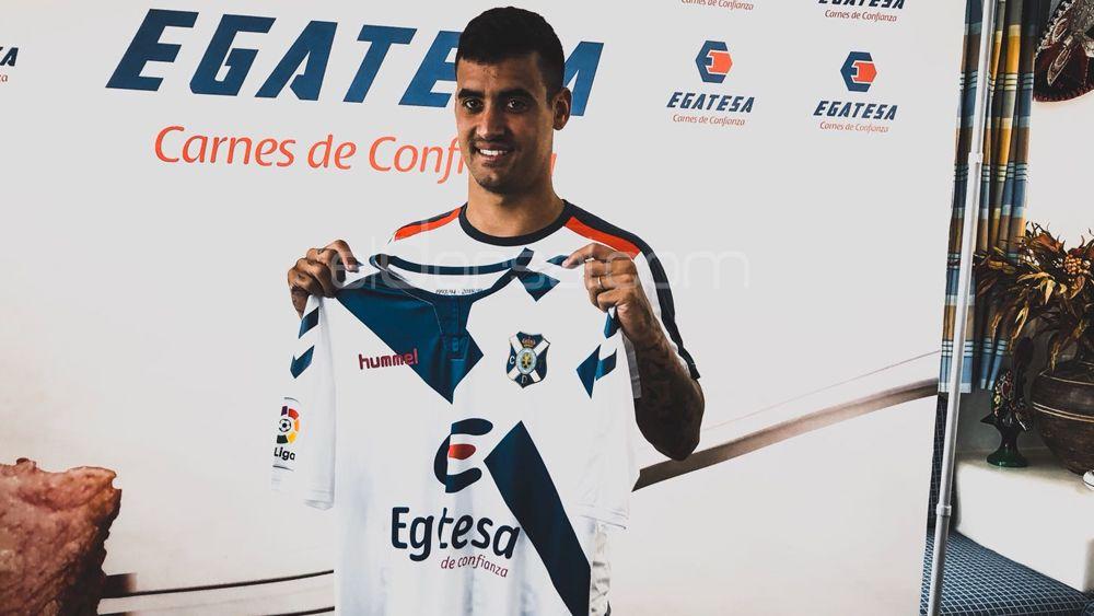 """Nano: """"Espero ascender, y quedarme en el CD Tenerife"""""""