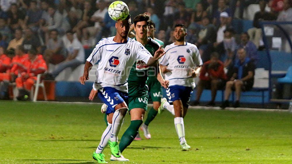 La afición del CD Tenerife satisfecha con la delantera blanquiazul
