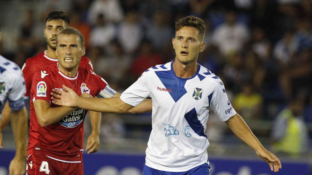 Un 'catrachazo' y una cabeza salvadora para un empate épico del CD Tenerife