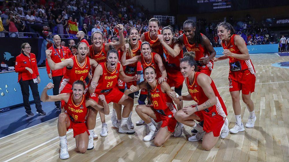 La afición de Tenerife lleva en volandas a España, que ya está en semifinales del Mundial