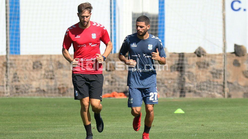 José Luis Oltra entra en el CD Tenerife, Borja Llarena sale