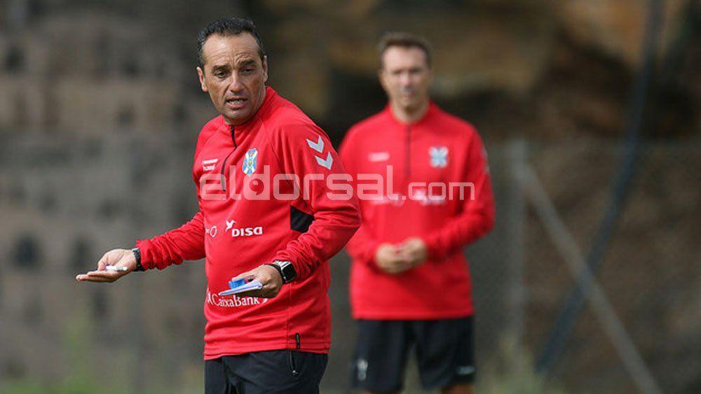 """Oltra: """"Para que el CD Tenerife creciera, primero debía centrarme en el trabajo defensivo"""""""