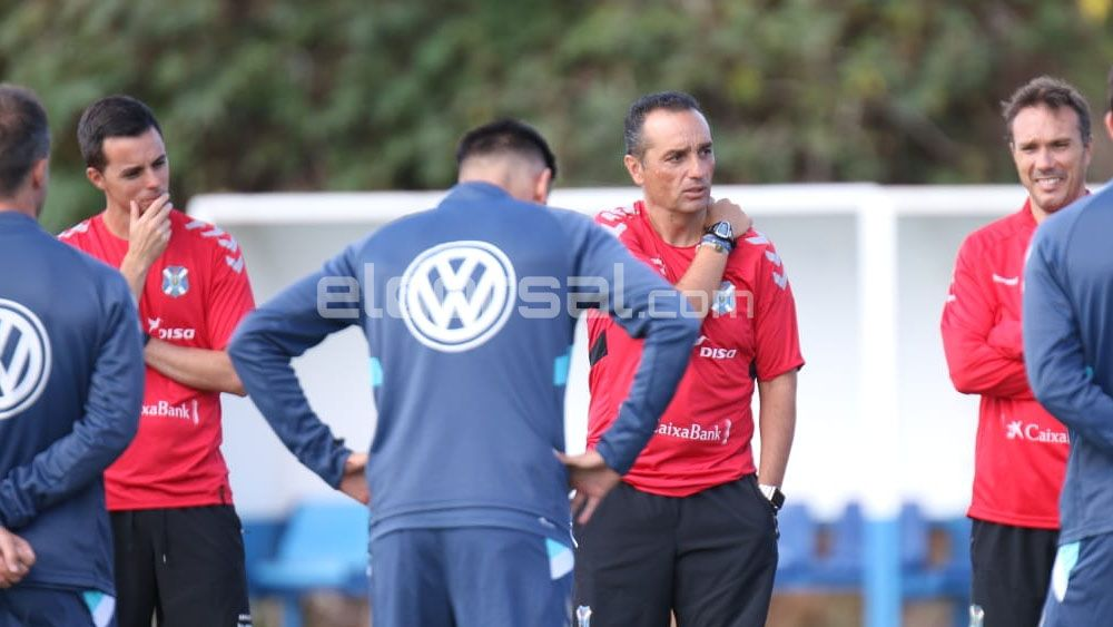 José Luis Oltra despeja la duda en la portería del CD Tenerife