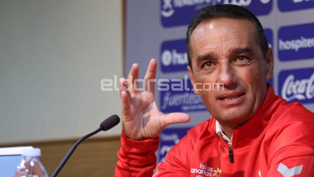 Elige el once titular del CD Tenerife ante el Osasuna