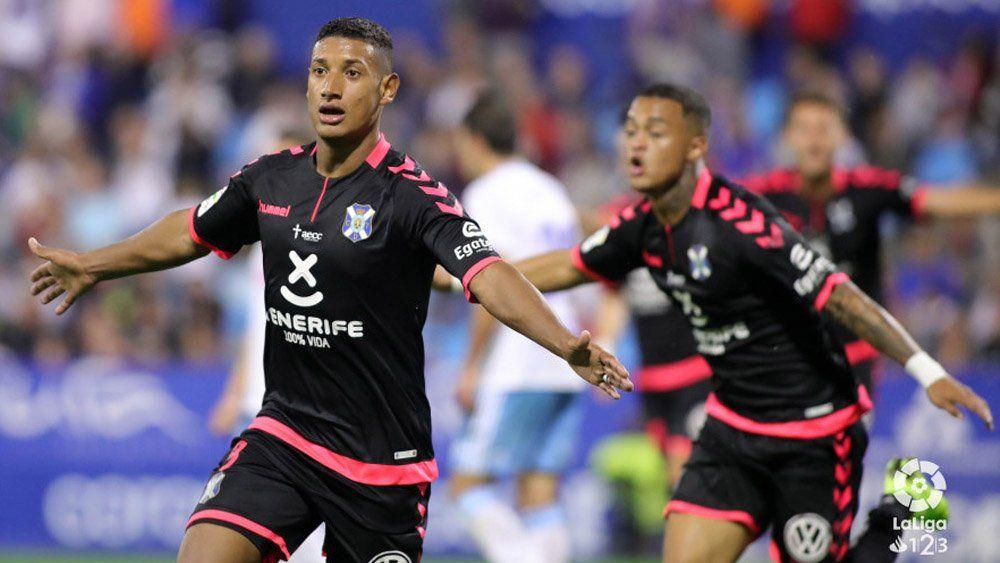 Bryan Acosta, el mejor del CD Tenerife ante el Real Zaragoza