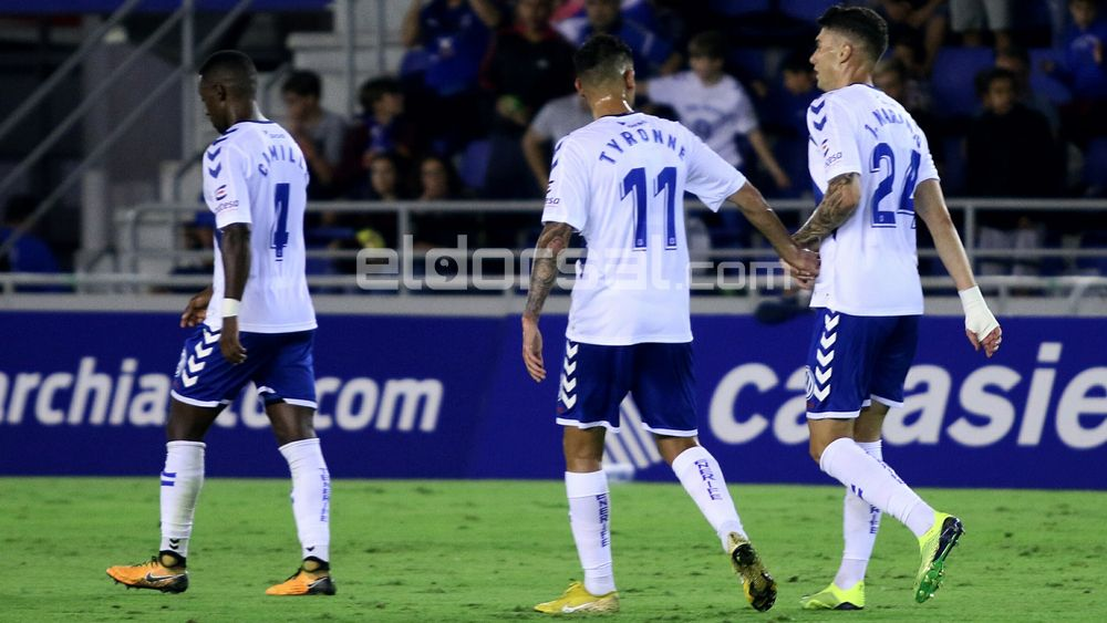 Fútbol y adrenalina como antídoto en el CD Tenerife