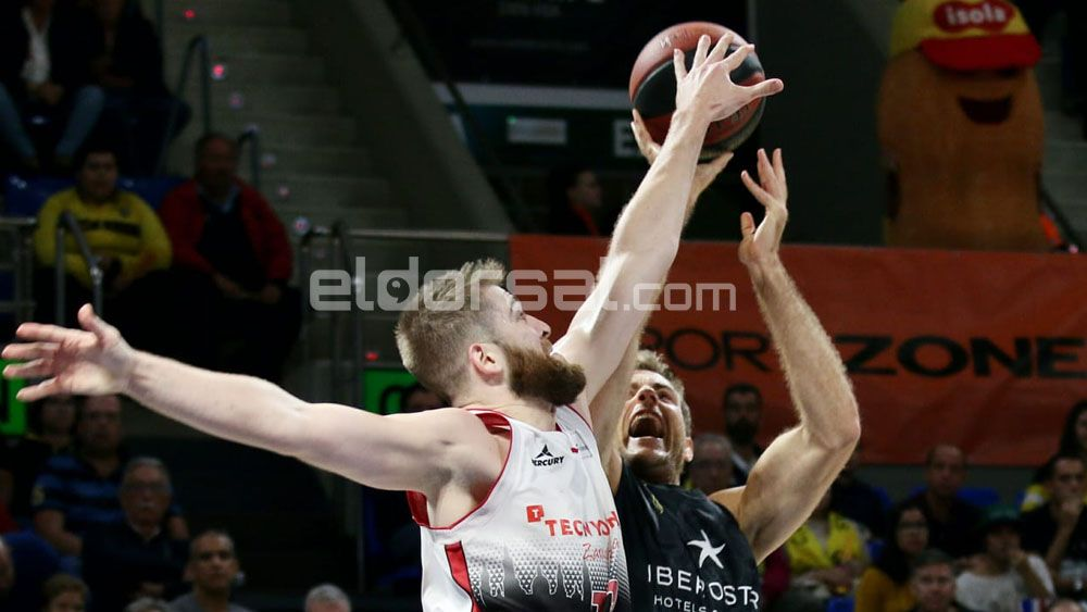 Una canasta en el último segundo y el Iberostar Tenerife pierde ante Tecnyconta Zaragoza