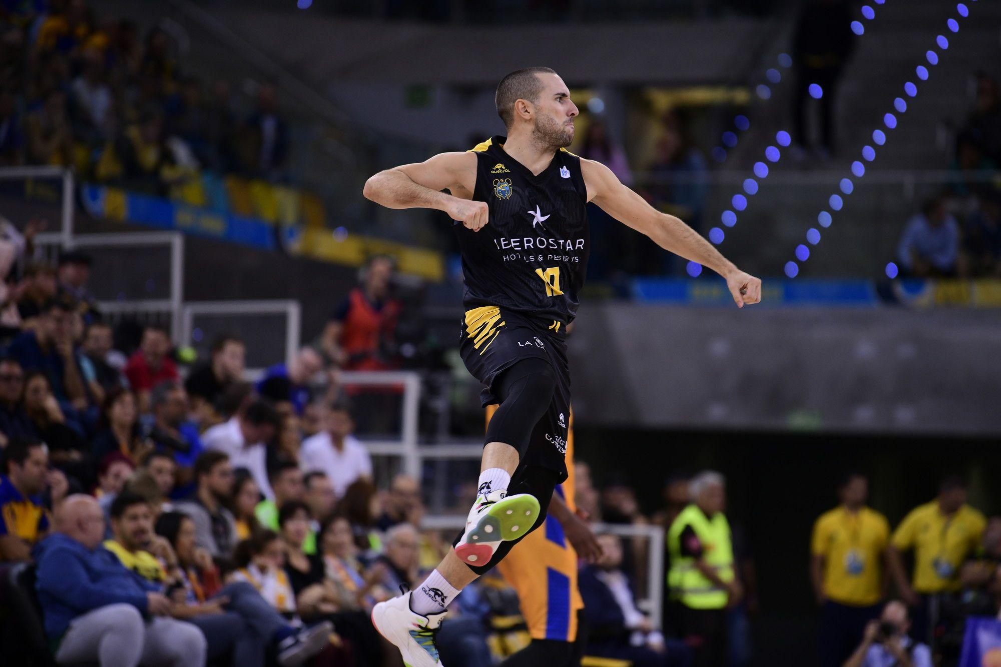 Ferran Bassas celebra un triple| ACB Photo / M. Henriquez