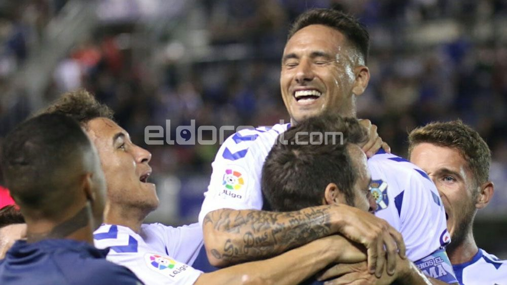 El CD Tenerife supera al Rayo Majadahonda a través de la efectividad