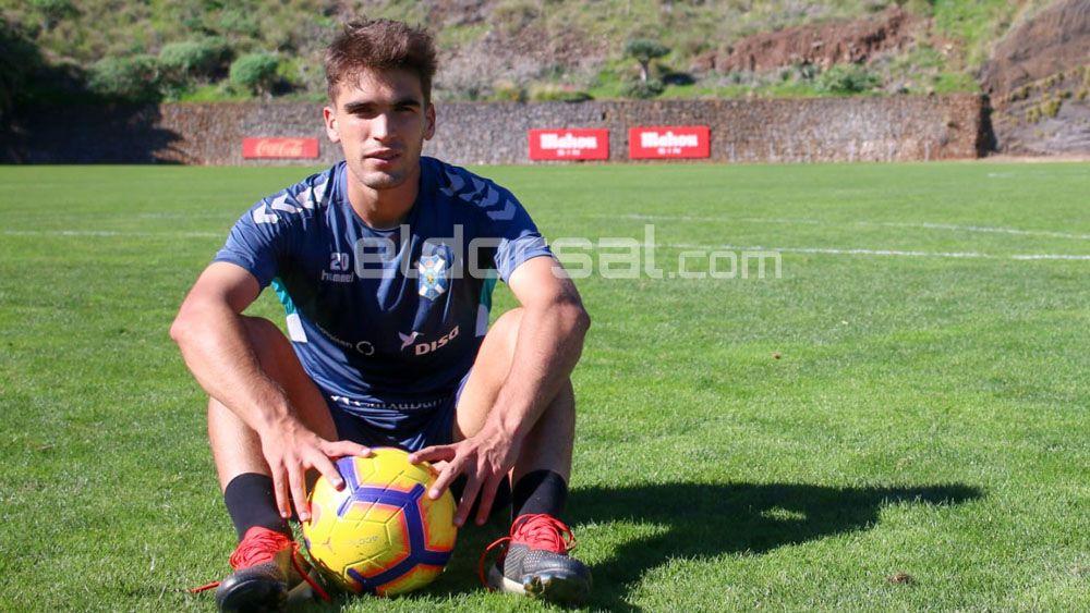 El jugador perfecto para el jugador del CD Tenerife, Iker Undabarrena