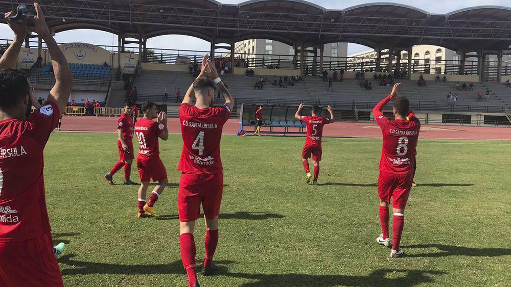 El Santa Úrsula asalta el liderato de Tercera División