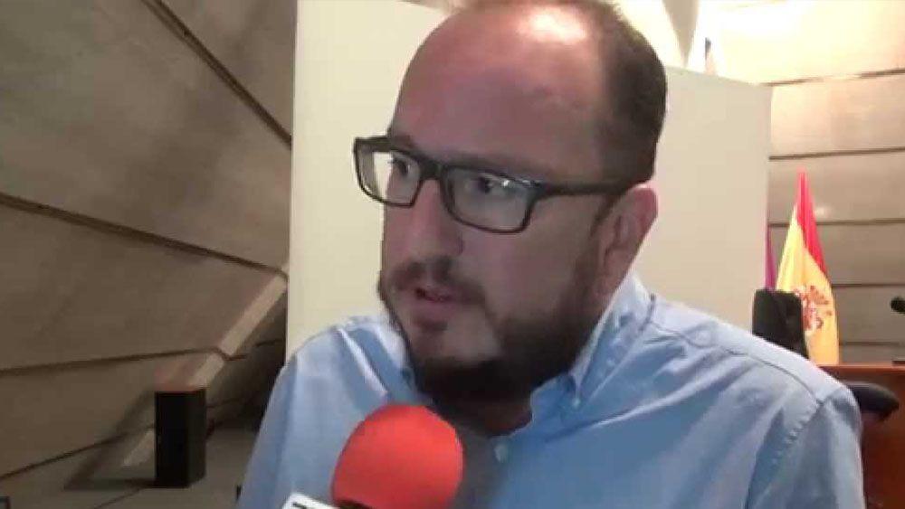 """Óscar Herrera: """"Si me preguntan por el favorito, voy más con el CD Tenerife"""""""