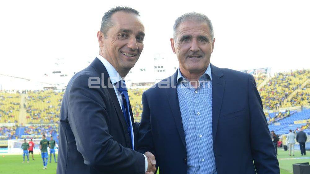 """José Luis Oltra: """"Sacamos un buen punto en el derbi canario y se lo dedicamos a los nuestros"""""""