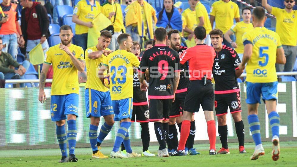 El empate entre UD Las Palmas y CD Tenerife, en imágenes