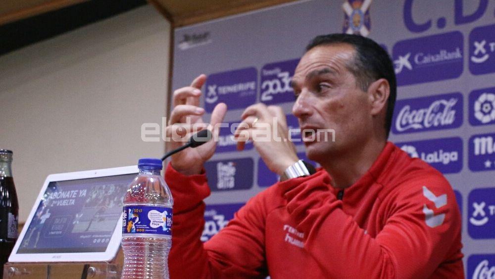 La rueda de prensa de José Luis Oltra antes del CD Tenerife – RCD Mallorca