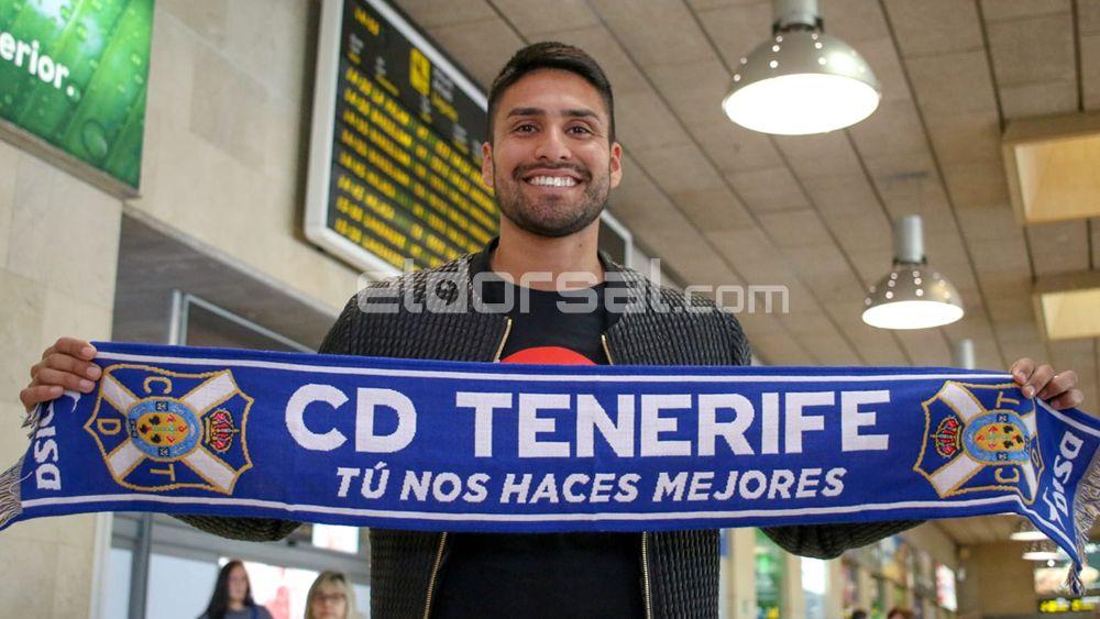 El yoga, la otra pasión del nuevo jugador del CD Tenerife Mauro dos Santos