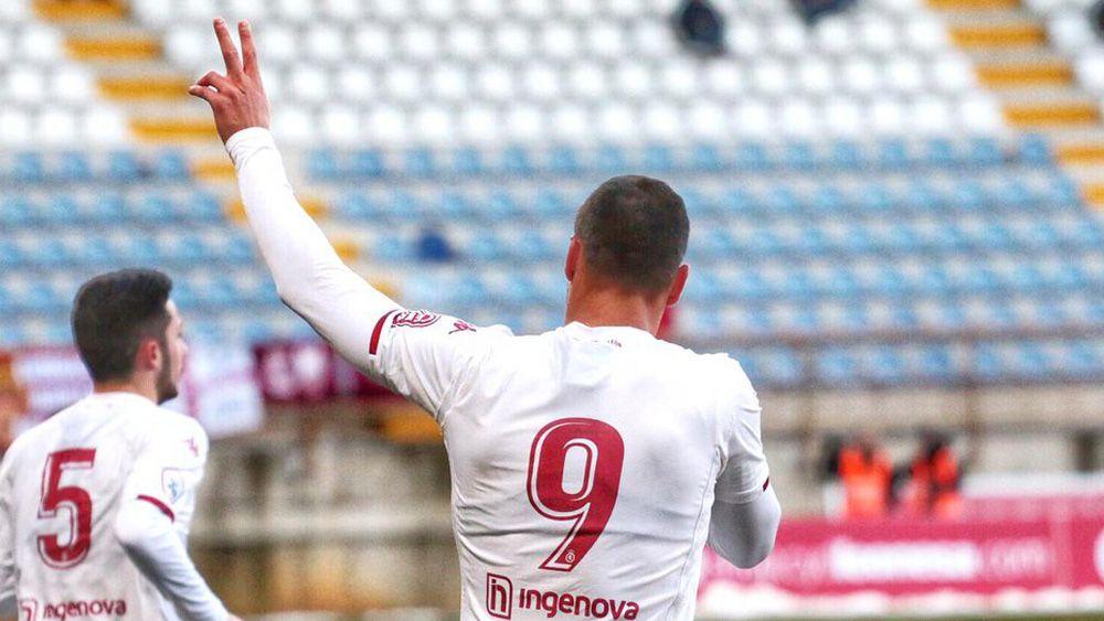 El ex del CD Tenerife Aridane Santana, fiel a su cita con el gol