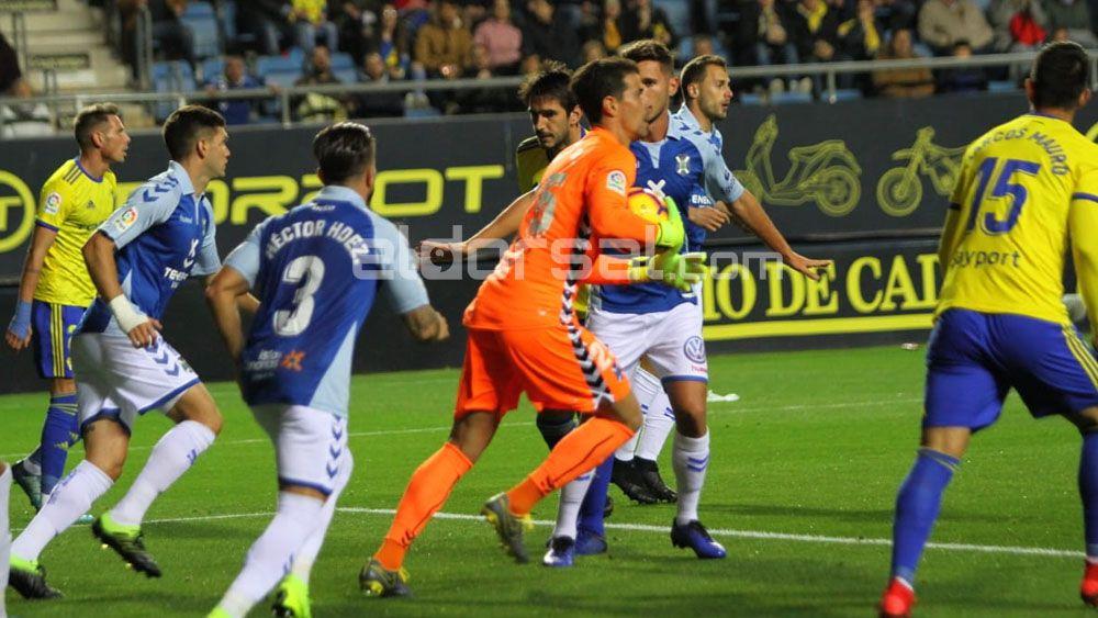 Así cayó el CD Tenerife en el Carranza ante un buen Cádiz
