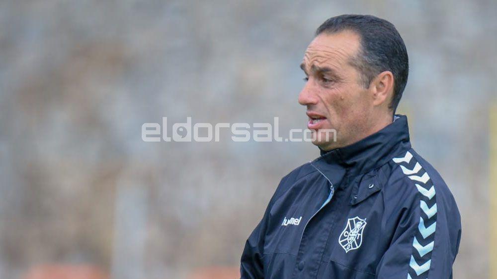 El entrenador del CD Tenerife José Luis Oltra sale en defensa de José Naranjo