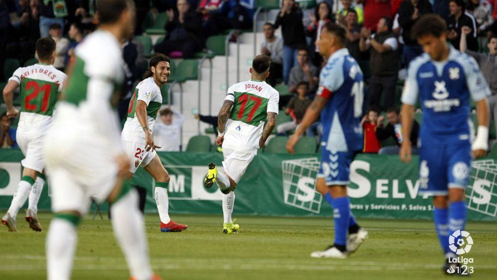 Los jugadores del Elche celebran un tanto / @Laliga