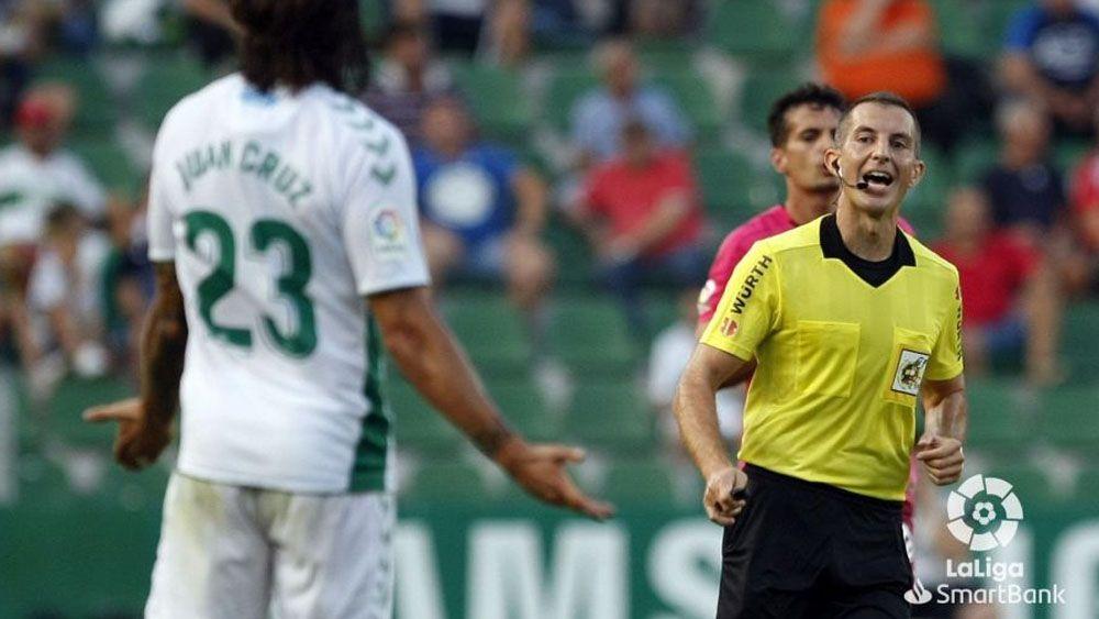 Javier Iglesias Villanueva árbitro