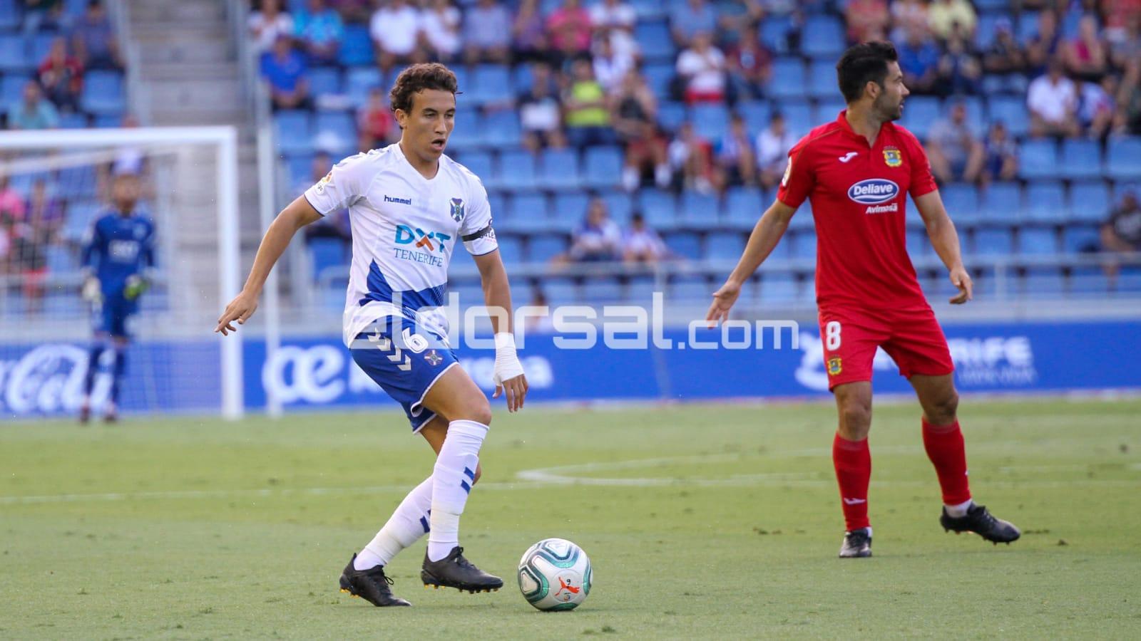 Luis Milla CD Tenerife ante el CF Fuenlabrada | @jacforografo