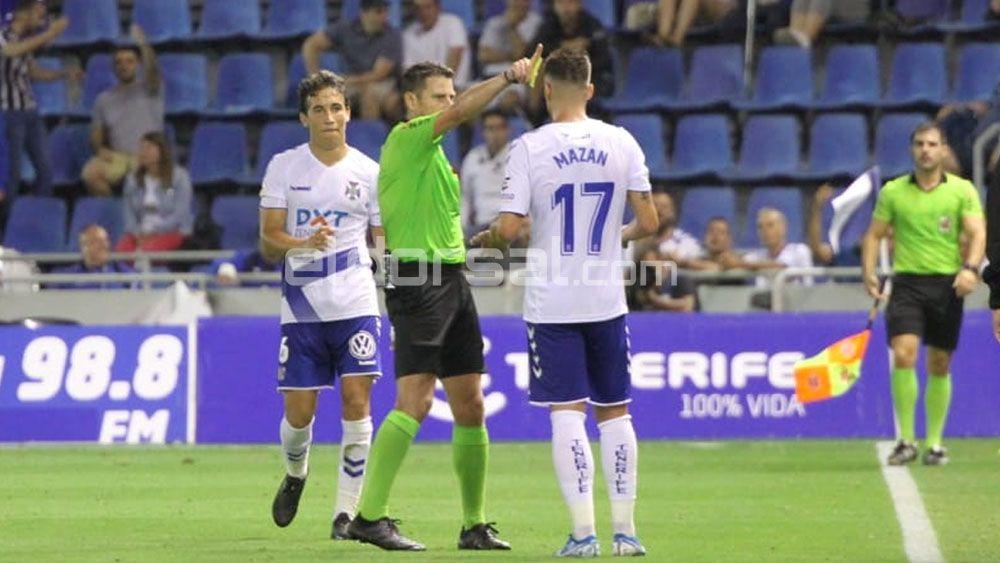 Figueroa Vázquez expulsa a Robert Mazán CD Tenerife