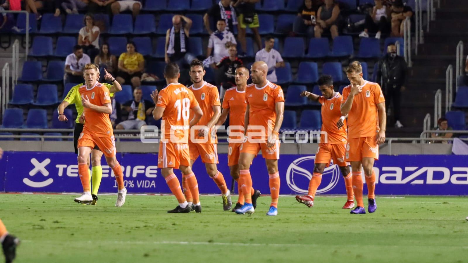 Real Oviedo celebra gol ante el CD Tenerife