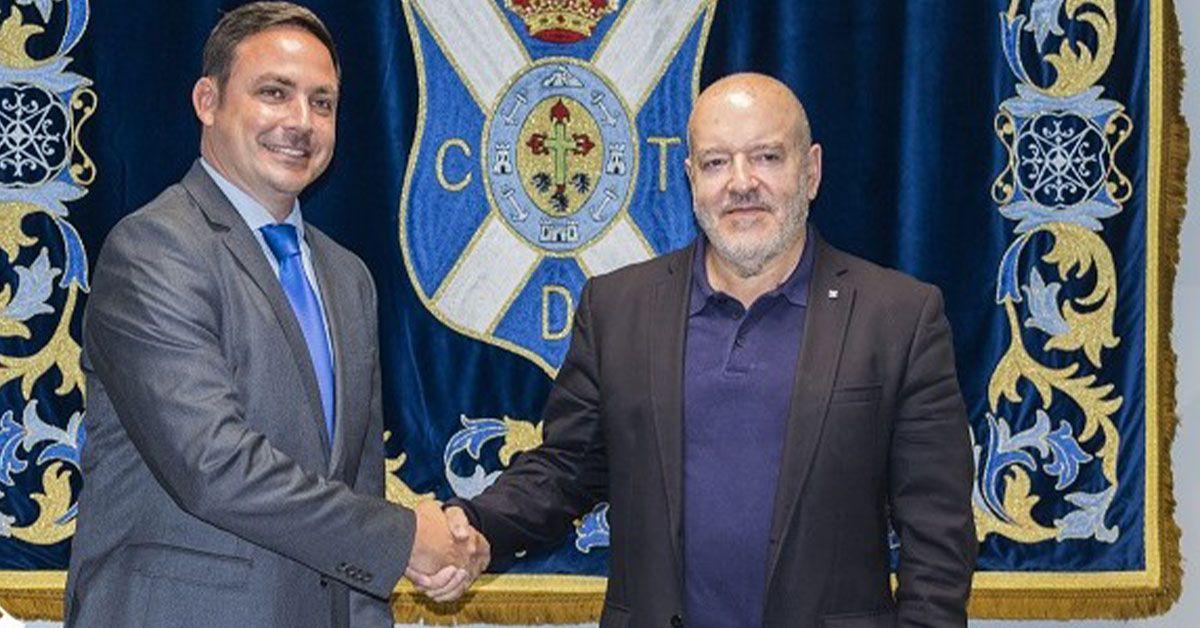 Roberto Mickel con el presidente del CD Tenerife Miguel Concepción