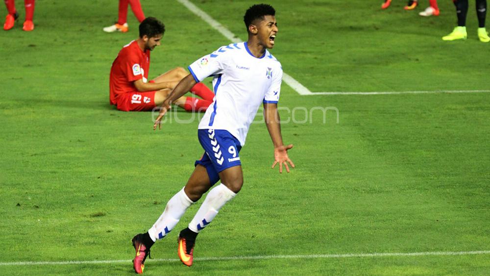 Choco Lozano, mejor delantero de la Liga 1|2|3 en mayo