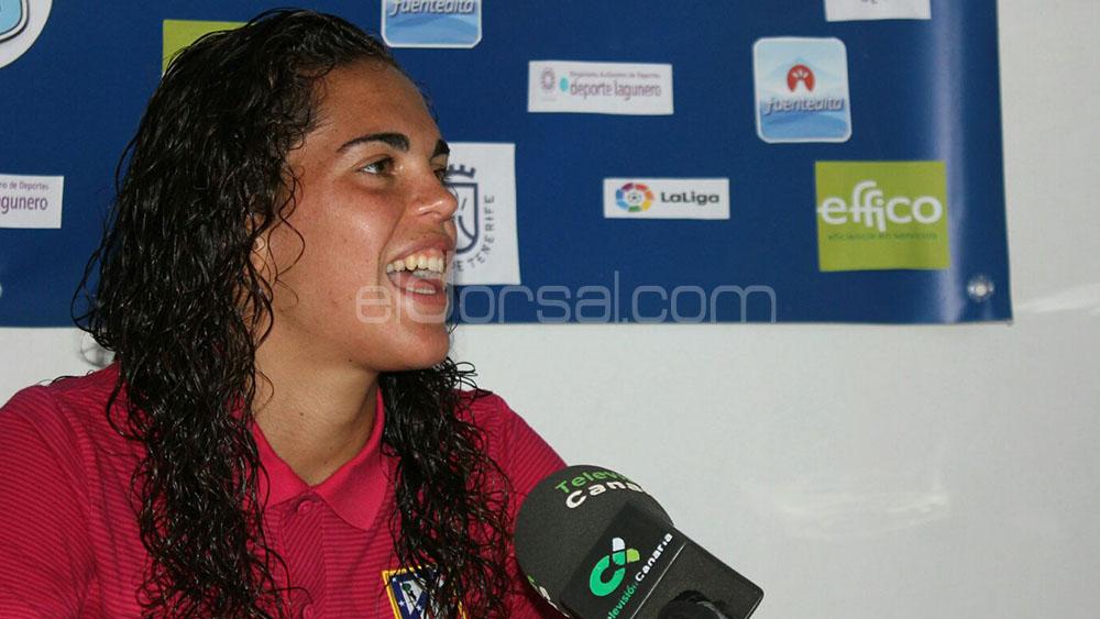 """Andrea Falcón, feliz por jugar ante excompañeras """"después de muchos años"""""""