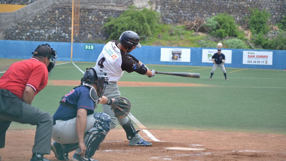 El Tenerife Marlins vence sin dificultades al Béisbol Navarra