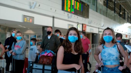 146 contagiados entraron a Canarias