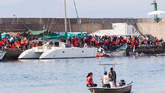 rescate cayucos inmigracion arguineguin