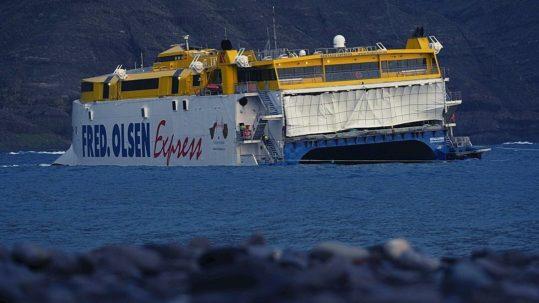 fred olsen ferry encallado