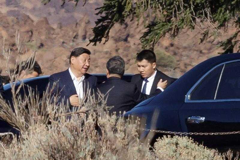 El presidente de China en el momento que llega al Parador de El Teide | EFE